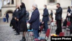 România: Slujba de binecuvantare a ramurilor de salcie si finic prilejuita de sarbatoarea Intrarii Domnului in Ierusalim (Floriile), la Catedrala Patriarhala din Bucuresti, duminica, 25 aprilie 2021. Inquam Photos / Alexandra Pandrea