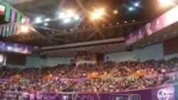 شعار میرحسین یاحسین در استادیوم آزادی