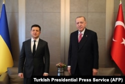 Владимир Зеленский и Реджеп Эрдоган в Стамбуле 10 апреля, 2021 года