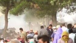 Солзавец против група мигранти на границата со Грција