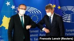 Predsjednik Evropskog parlamenta David Sassoli i premijer Kosova Avdullah Hoti tokom sastanka u Briselu 10. 09. 2020.