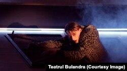 Marius Manole în Richard III, la Teatrul Bulandra.