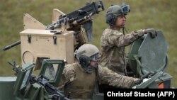 Ամերիկացի զինվորականները Գերմանիայում զորավարժության ժամանակ, արխիվ