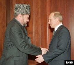 Президент России Владимир Путин и глава администрации Чечни Ахмад Кадыров