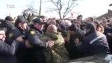 Polis Telaviyə mitinqə gedən Gürcüstan müxalifətinin qarşısını kəsdi