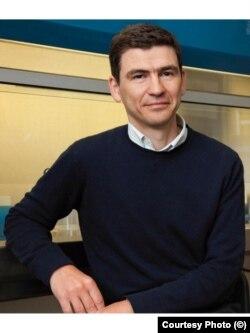 Medicul infecționist Mihai Netea, profesor de medicină experimentală la Centrul Medical Radboud din Nijmegen/Olanda. A câștigat premiul Spinoza - cel mai prestigios premiu care se acorda în Olanda pentru cercetare.