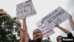 Demonstrație la Washington, în fața Casei Albe, în sprijinul Afganistanului, 15 august 2021