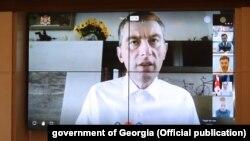 Георгий Гахария, который сам в настоящее время лечится от ковида, заявляет, что модель точечных ограничений должна быть пересмотрена с точки зрения ее эффективности