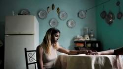 """""""Sosem láttam hasonlót!"""" – Egy 17 éves lányt is elfogtak a kubai tüntetéseken"""