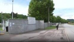 """""""Nuk mundem t'ua fal"""" - nëna kërkon përgjigje 25 vjet pas gjenocidit në Srebrenicë"""