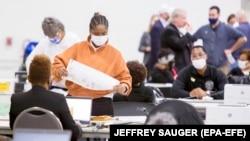 Подсчет голосов в Детройте (Мичиган). 4 ноября 2020 года.
