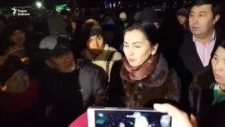 Аида Салянова после допроса в ГКНБ