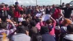 Mijëra migrantë të bllokuar në Greqi