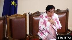 """Мика Зайкова от """"Има такъв народ"""" откри заседанието на 46-ото Народно събрание"""