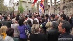 «Հիմնադիր խորհրդարան»-ը բողոքի ցույց անցկացրեց ձերբակալված անձանց պահման վայրի մոտ