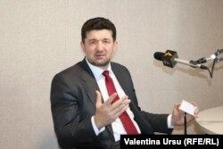 Юрие Мунтян в кишиневской студии Свободной Европы