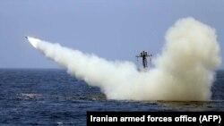 پرتاب راکت از سوی ایران در خلیج فارس