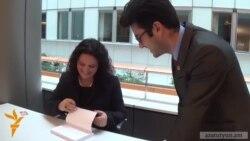 Եվրախորհրդարանում ներկայացվեց Բաքվի փախստական հայուհու գիրքը