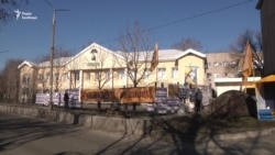 Філія «Сбербанку» у Запоріжжі припинила роботу через блокування (відео)