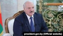 Александр Лукашенкоро ба тақаллуб дар интихоботи соли гузашта гунаҳкор мекунанд