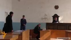Կինը «աբսուրդ» է որակում իրեն ծեծի ենթարկած ամուսնու ազատ արձակումը դատարանի դահլիճից