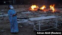 آرشیف٬ محل سوختاندن جسدهای قربانیان کرونا در هند