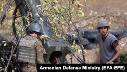 Pe linia frontului, militari armeni în Nagorno-Karabah, 20 octombrie 2020.