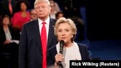 Хиллари Клинтон и Дональд Трамп (из архива избирательной кампании 2016 года)