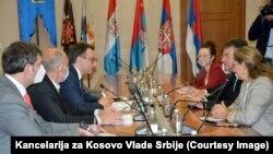директорот на Канцеларијата за Косово на Владата на Србија Петар Петковиќ со специјалниот пратеник на Европската унија (ЕУ) за дијалогот меѓу Белград и Приштина, Мирослав Лајчак во Белград, 16 октомври 2020.