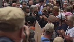 Суд у справі Порошенка: депутати від «ЄС» посварилися з прокурорами – відео