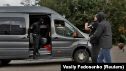 Полицијата притворува новинар кој бил на задача во центарот на Минск, 27.08. 2020 година