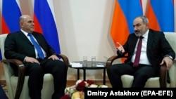 ARMENIA -- Armenian Prime Minister Nikol Pashinyan meets Russian Prime Minister Mikhail Mishustin on the sidelines of a Eurasian Economic Union Council session in Yerevan, October 9, 2020