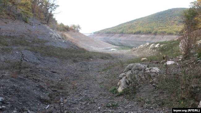 Пересохла річка, що живить Ізобільненське водосховище