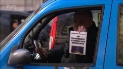 London taksiləri etiraz etdilər
