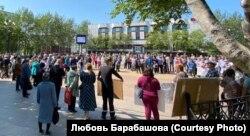 Митинг на главной площади Охи (Сахалин) против закрытия нефтедобывающего предприятия
