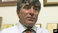 Убитий у 2007 році журналіст Грант Дінк