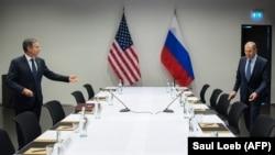 Antony Blinken amerikai és Szergej Lavrov orosz külügyminiszter Reykjavíkban ült tárgyalóasztalhoz 2021. május 19-én