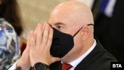 Главният прокурор Иван Гешев също дойде в парламента за заседанието на правната комисия