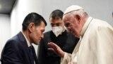 POPE-IRAQ/KURDI/ Pope Francis meets Abdullah Kurdi, father of Alan Kurdi, the three-year-old boy whose dead body was found washed up on a Turkish beach in 2015, in Erbil, Iraq, March 7, 2021.