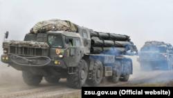 БМ-30 «Смерч», реактивная система залпового огня на учениях ВСУ в Херсонской области, март 2021 года