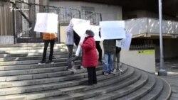 «Челпанова в отставку». Жители Ялты митинговали против мэра города (видео)