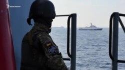 Под прицелом: корабли ВМС впервые после аннексии прошли через Керченский пролив (видео)