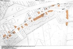 Ezt a földhivatali ingatlan-nyilvántartási térképet használják a Kormányhivatalok és a Magyar Államkincstár is. A Kauzsay-tanyán a Jókai és a Mohos utcában narancssárgával jelöltük azokat a házakat, amelyek a nyilvántartás szerint a mai napig léteznek. Grafika: Németh Dóra - Szabad Európa