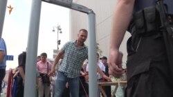 Один силовик на двох вірян – хода пройшла без інцидентів (відео)