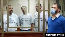 Обвиняемые из Крыма по делу красногвардейской группы Хизб-ут-Тахрир в Южном окружном суде в российском Ростове-на-Дону, 3 ноября 2020 года