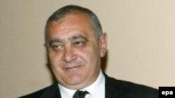 Markaryan 1951-ci il iyunun 12-də Yerevanda anadan olub