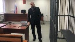 Эдуард Шмонин в зале суда
