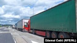 Kolone kamiona na granici između BiH i Hrvatske