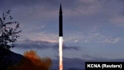 Изображение ракеты «Хвасон-8», распространенное телеграфным агентством Северной Кореи