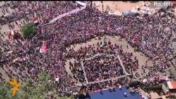 Демонстрация в Каире в поддержку военных